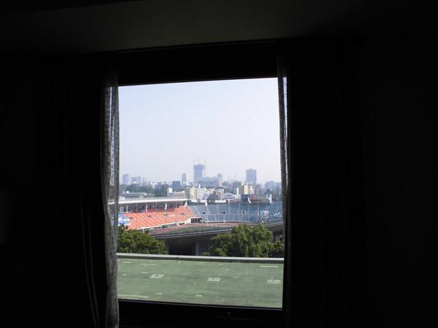 窓から国立競技場