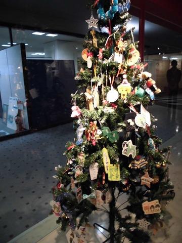 ホイッスル!クリスマスツリー原画展大阪