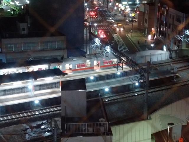夜の山陽電鉄ホテルから見える