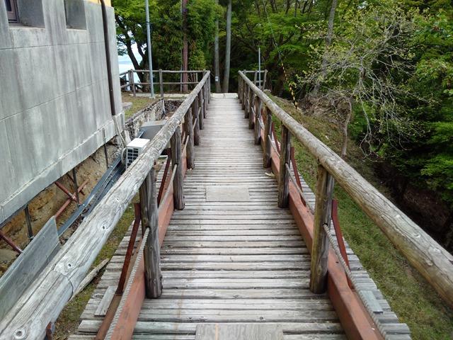 坂本ケーブルもたて山駅歩いて行く遊歩道