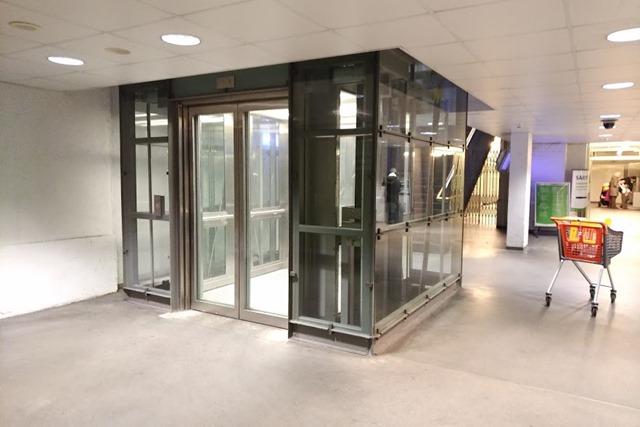 ヘルシンキ中央駅エレベーター