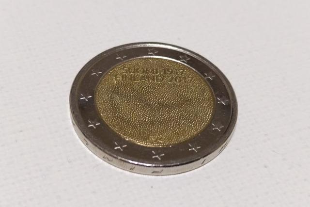 フィンランド100周年2ユーロ