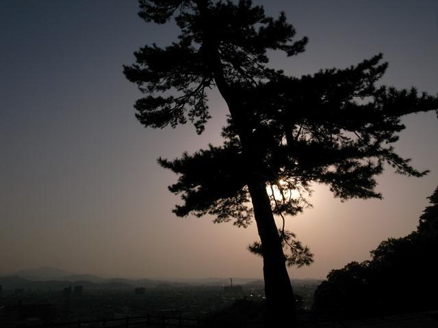鳥取の夕日鳥取城松立派