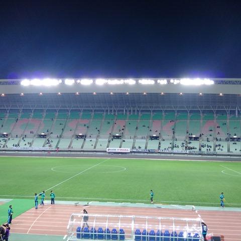 ヤンマースタジアム長居試合終了後閑散