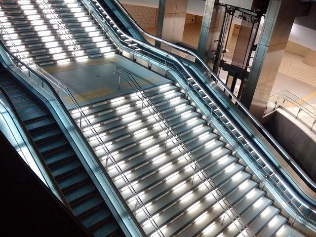 金沢駅階段