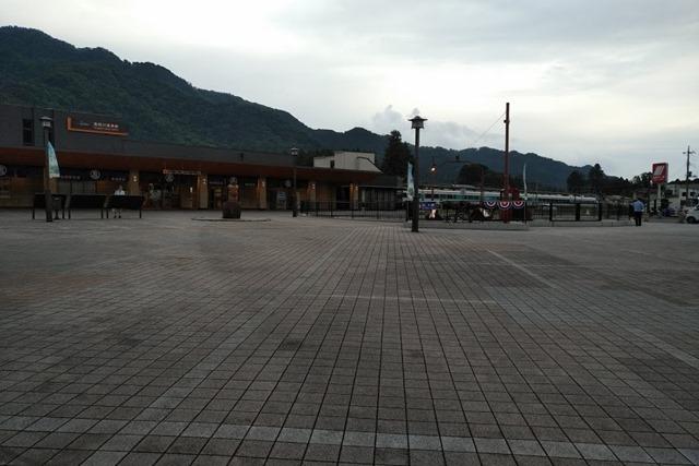 閑散とした鬼怒川温泉駅