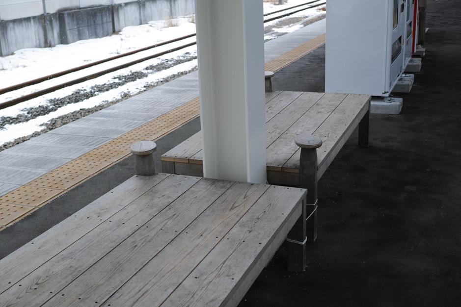 軽井沢駅椅子