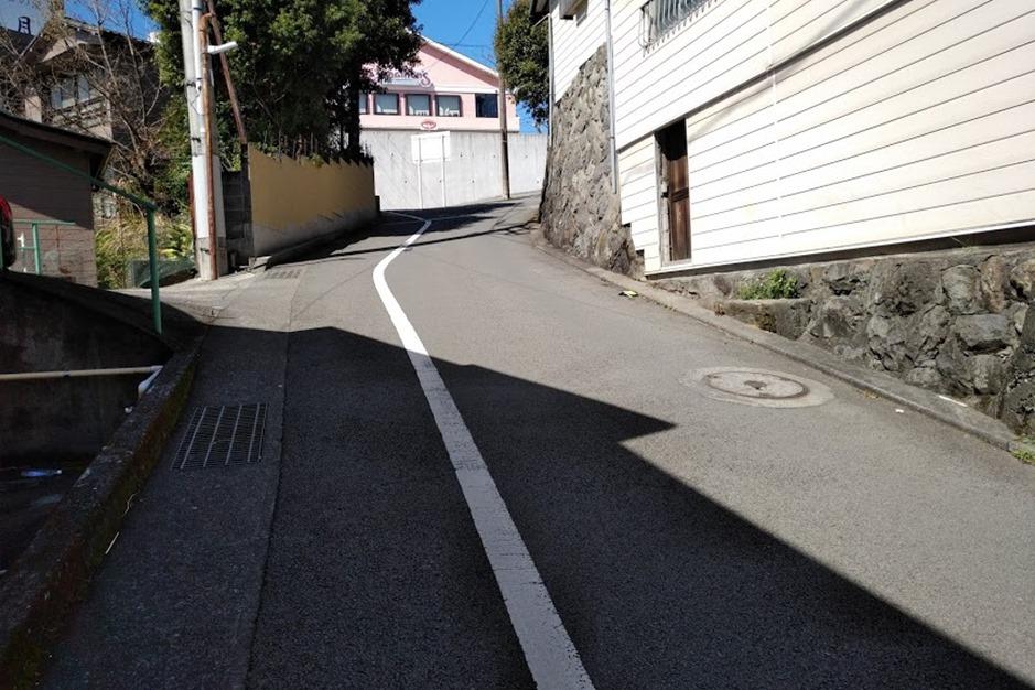 来宮神社に行く途中の道