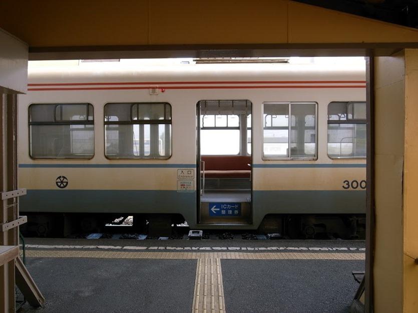 ちくてつ電車